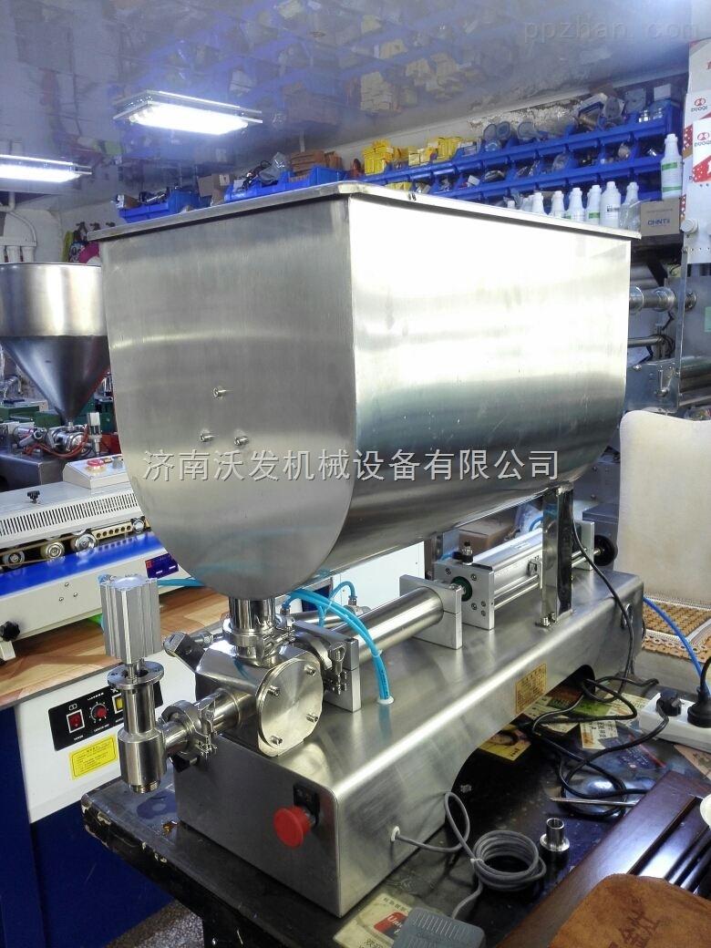 供应威海大颗粒酱类灌装机*牛肉酱、鸡肉酱灌装机*沃发机械