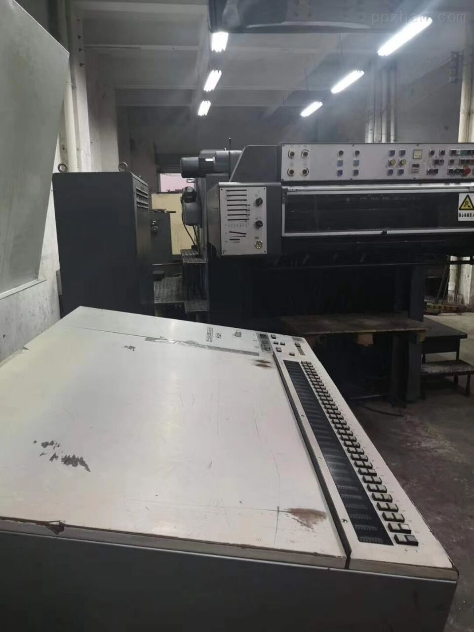 低�r出售90年sm102���_5色印刷�C